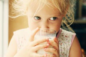 Mléko by mělo být součástí jídelníčku
