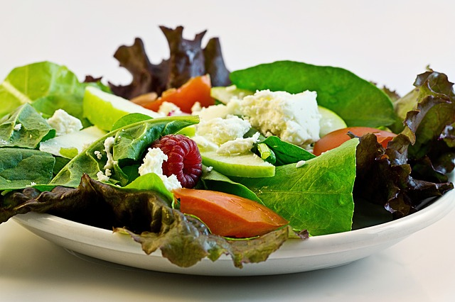 Salát s nerafinovaným olejem