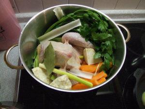 kuřecí vývar se zeleninou