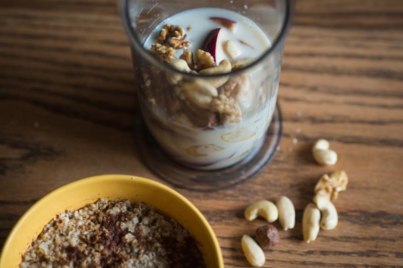 jablečné smoothie s ořechy