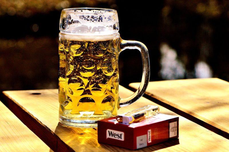 alkohol a tabák škodí játrům