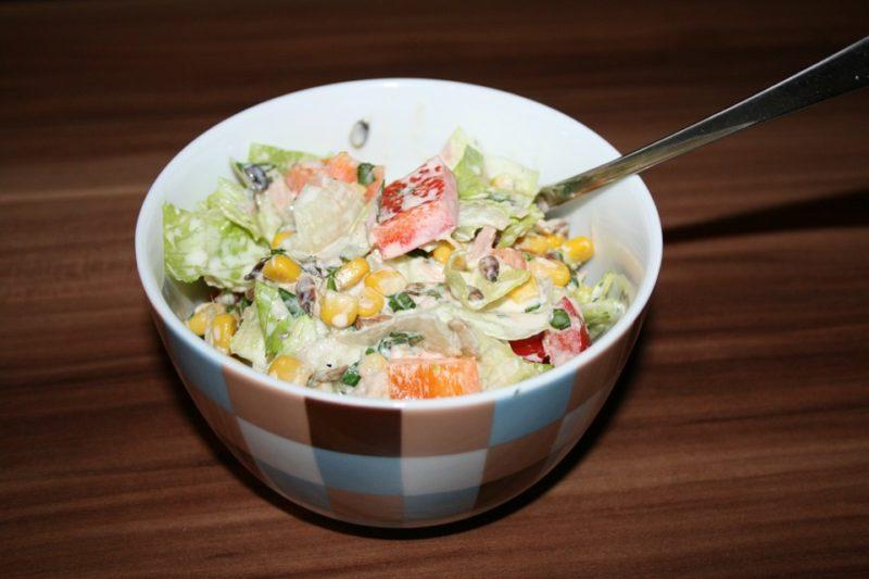 těstovinový salát během dna diety