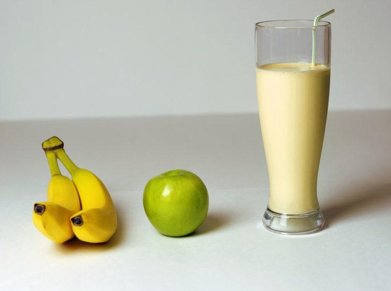 smoothie z banánu a jablka