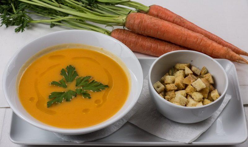 dietní karotková polévka