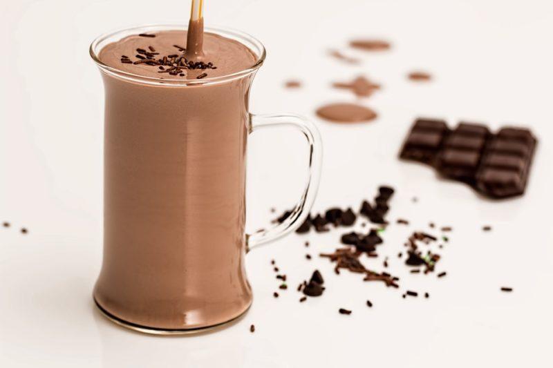 čokoládový proteinový drink