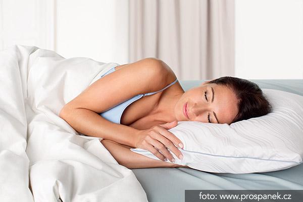 kvalitní matrace a povlečení