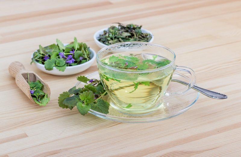 čaj z bylinek na spaní