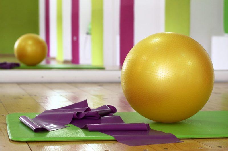 fitlopta a cvičební podložka