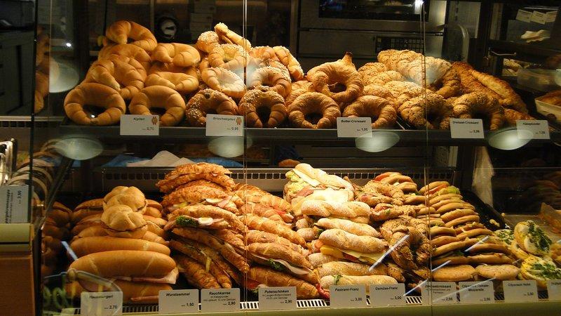 pečivo v pekárně