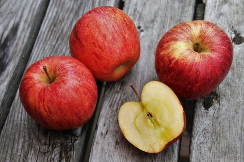 jablka se semínky