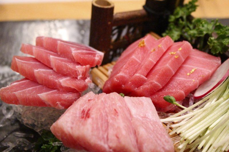 čerstvý tuňák