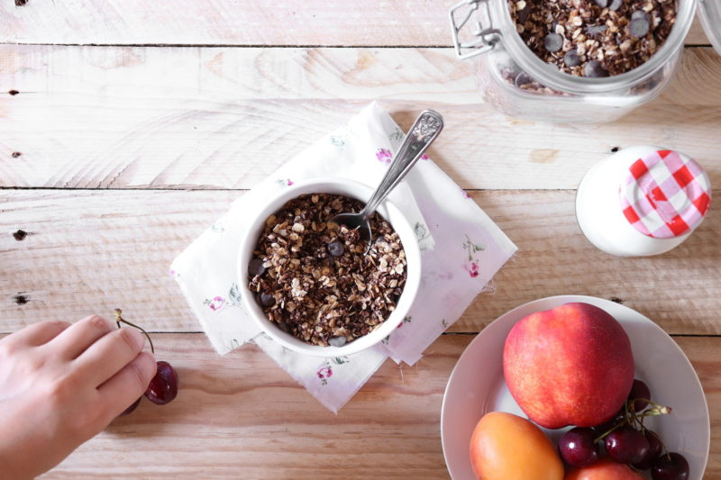 čokoládová granola s ovocem z Foodnotes.cz