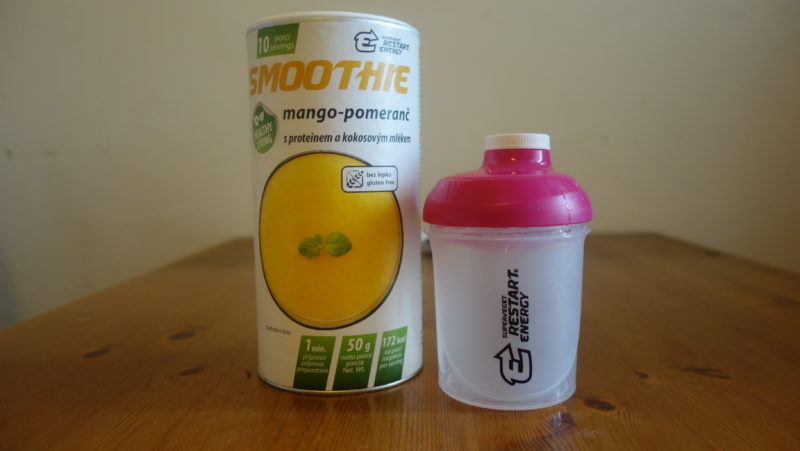 smoothie mango-pomeranč z Restart Energy