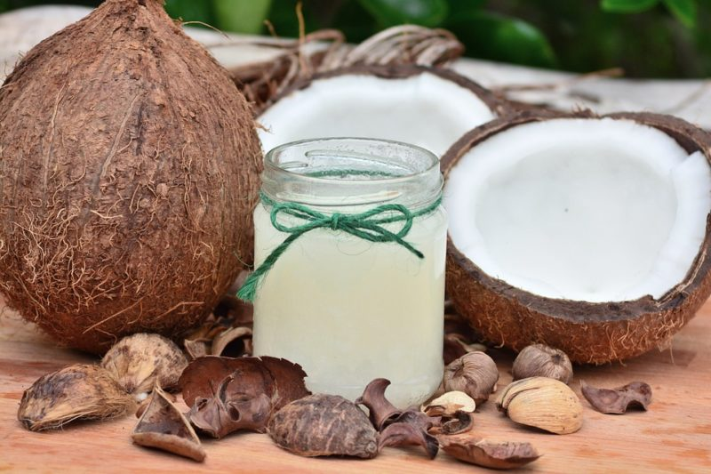 kokosová voda z hnědého ořechu