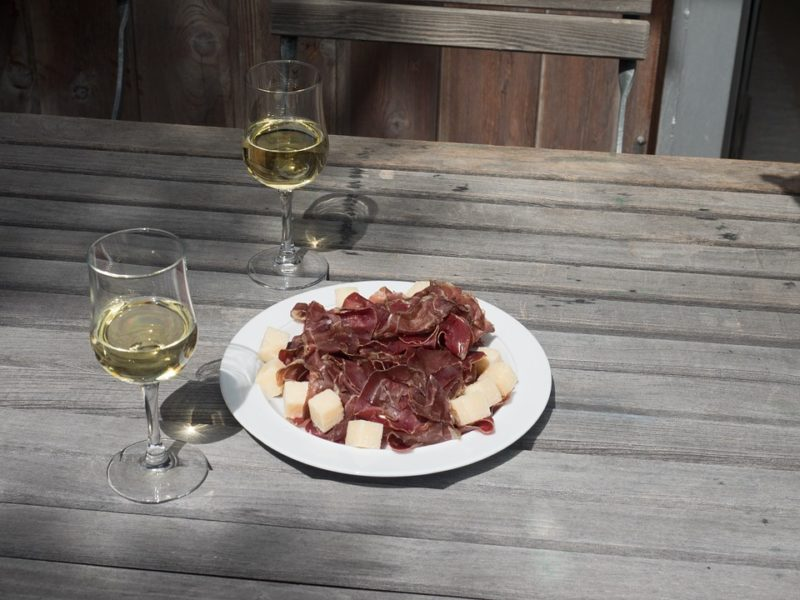 sušené maso k vínu
