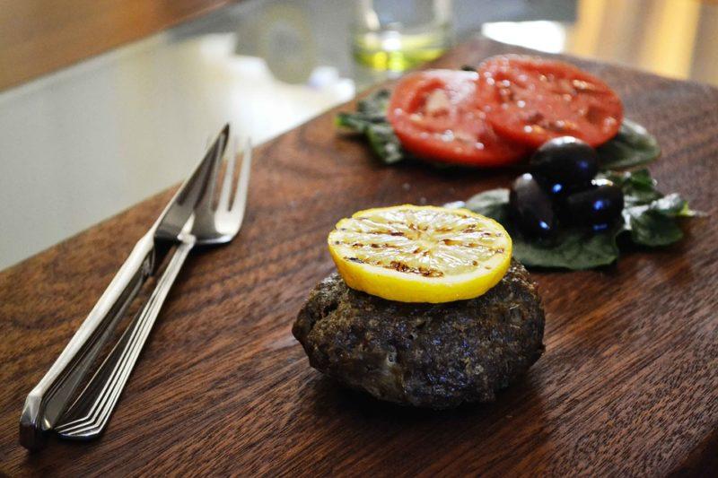 naked burger během ketogenní diety