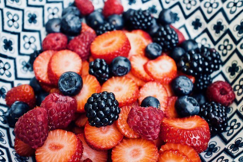 ovoce během veganské ketodiety
