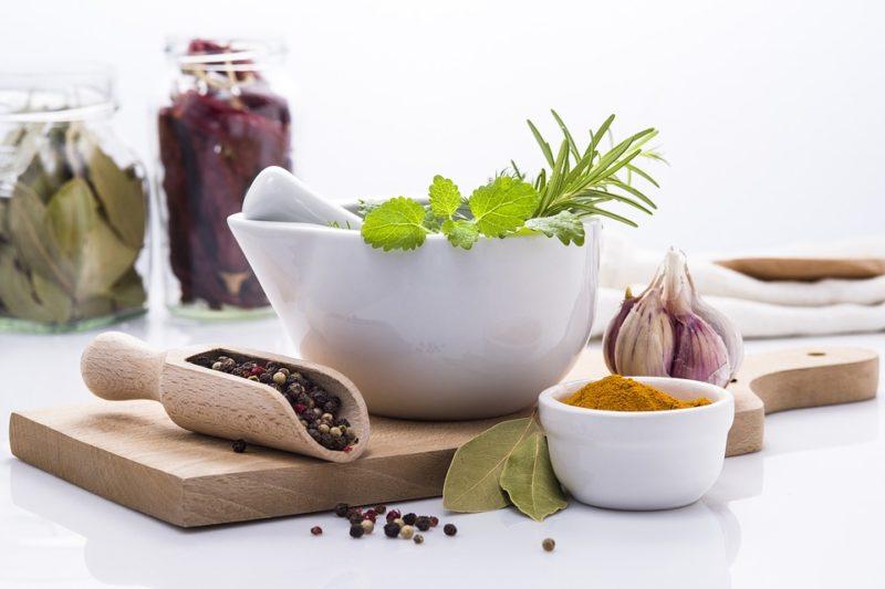 bylinky a koření během ketogenní diety