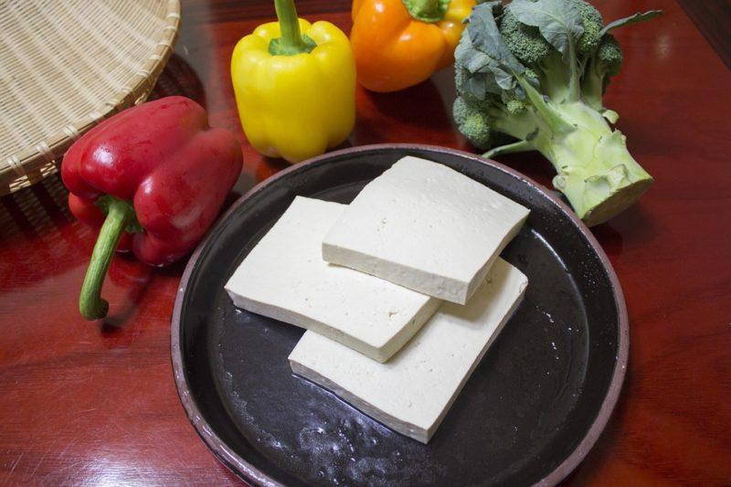 tofu během veganské ketodiety